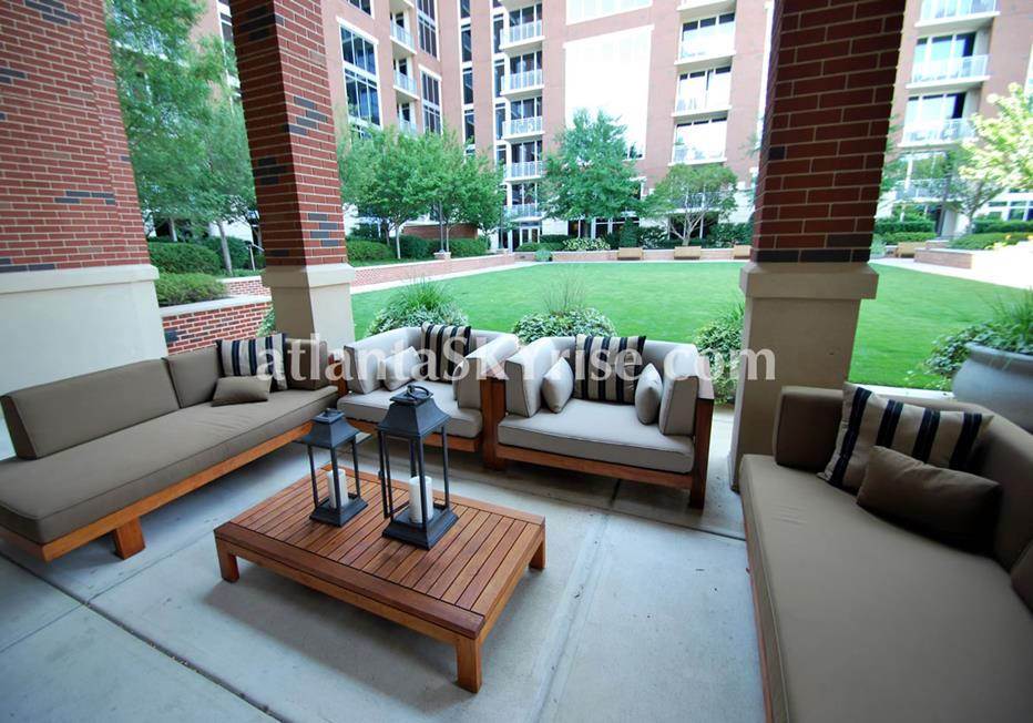 The Brookwood Midtown Atlanta Condo Outdoor Seating & Green Space