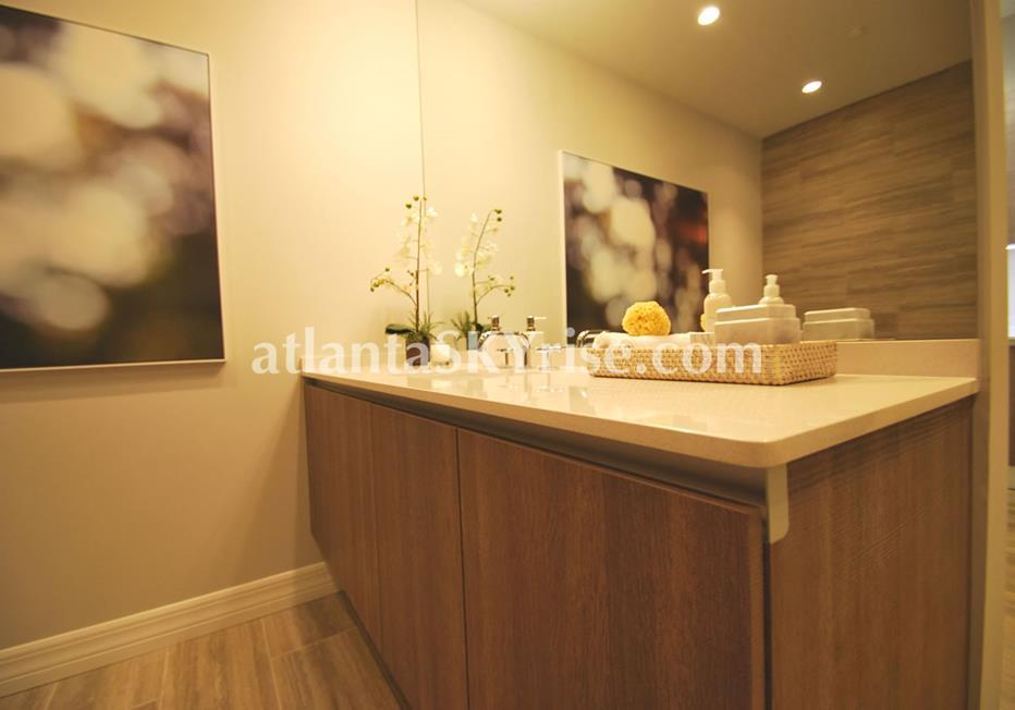 Seventh Midtown Atlanta Condo Bathroom